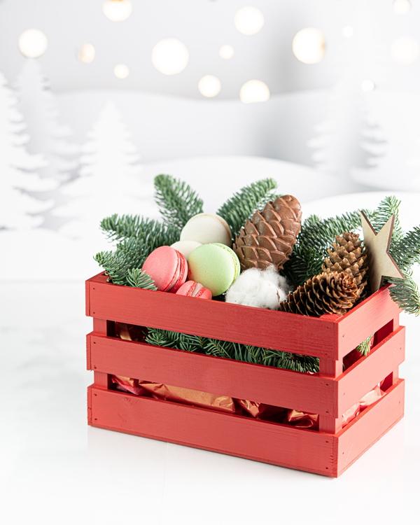 Мини ящик с новогодними гостинцами